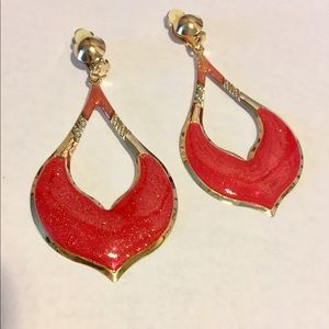 Jewelry - 👑Moroccan Style Long Gold/Red Dangle Earrings